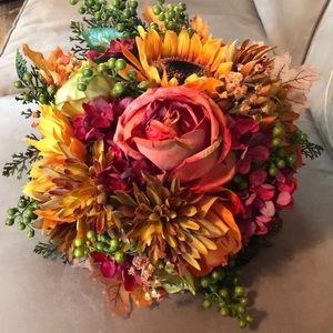 Fall bouquet with handle